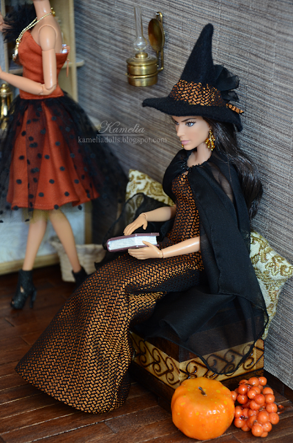 Halloween witch costume dress for made to move Barbie