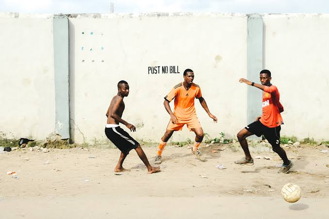 Lockdown: Police disperse Lagos youths playing football