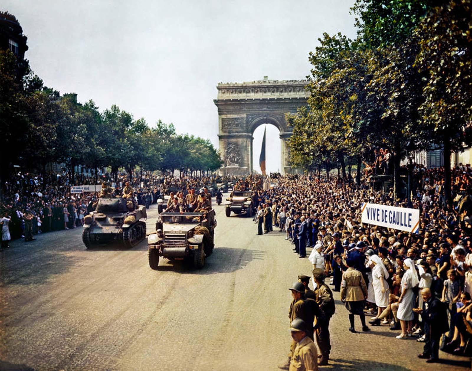 Franciaország felszabadulásának ünnepe.  1944.