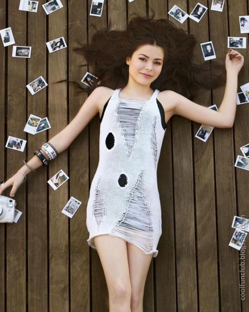 Famous Teen Girls: CoolFunClub: Top Hottest Teen Celebrities