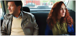 La Ultima Tarde - Ramon (Lucho Cáceres) e Laura (Katerina D'Onofrio), em Táxi para o Barranco