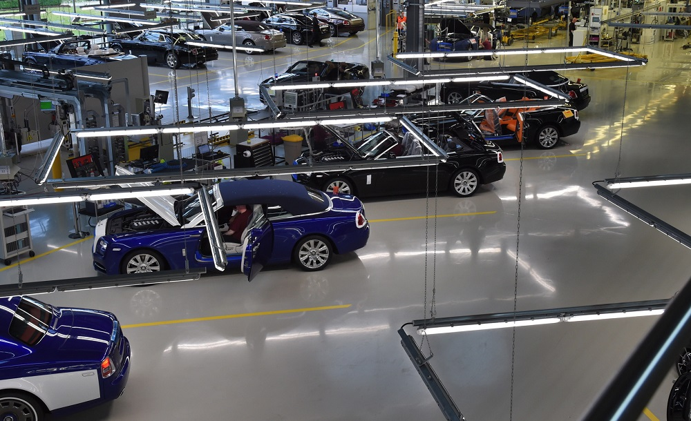 Rolls-Royce tạm dừng hoạt động sản xuất trong 2 tuần