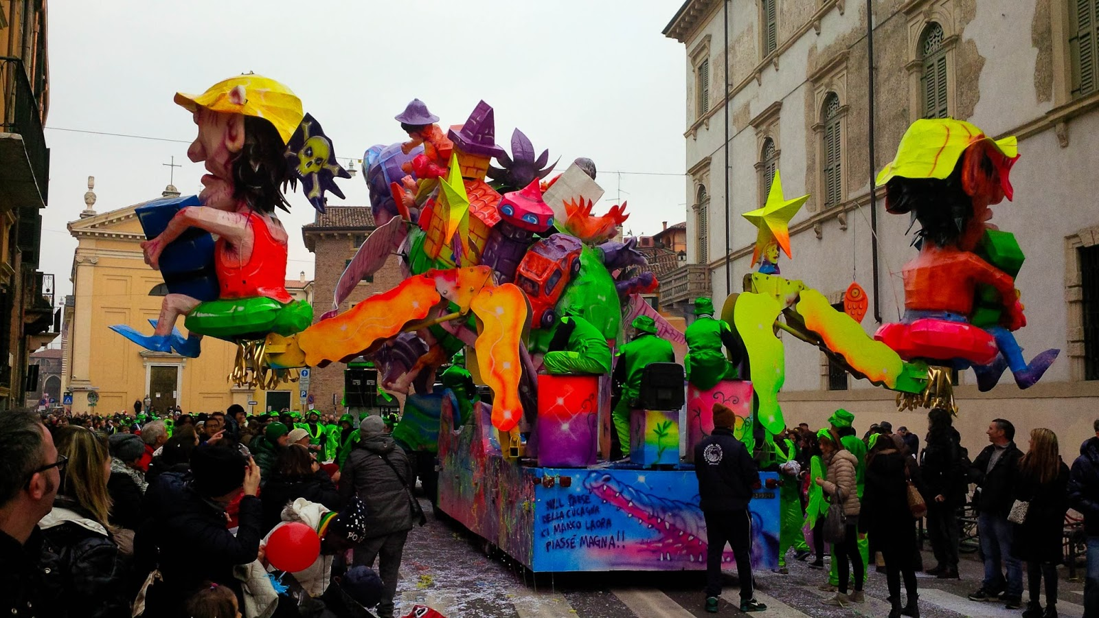 The back of a float - Verona Carnival