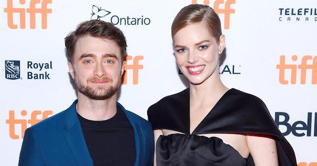 Com vergonha de Daniel Radcliffe, Samara Weaving escondeu sua tatuagem de 'Harry Potter' durante as gravações de novo filme | Ordem da Fênix Brasileira