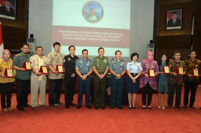 Puspen TNI Luncurkan Perpustakaan Digital