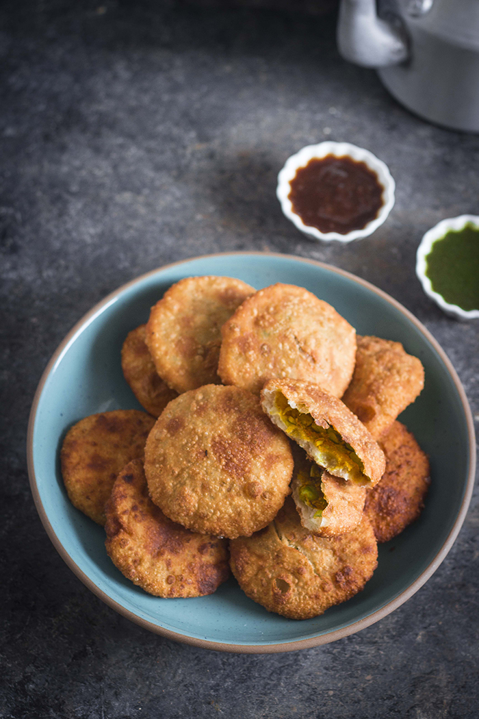 matar kachori, green peas stuffed kachori