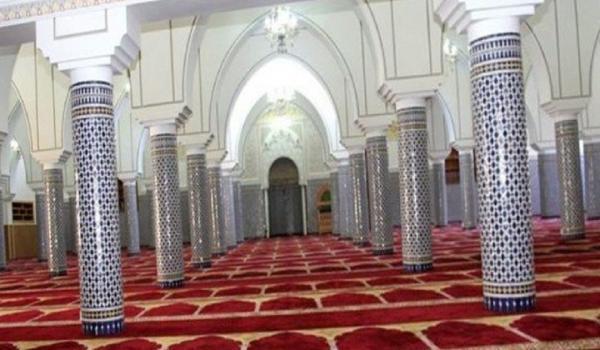 في واقعة خطيرة...شخص هائج ومسلح يهاجم مسجدا نواحي تاونات والحصيلة ثقيلة