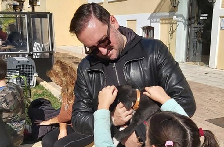 Ο Δήμαρχος Αλεξανδρούπολης Γιάννης Ζαμπούκης σε ρόλο Πόντιου Πιλάτου για τα αδέσποτα ζώα