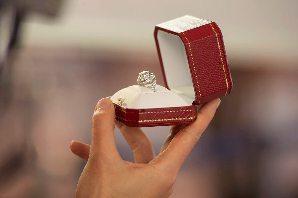 The Proposal short movie by Cartier - The Airport on Deluxshionist Lifestyle