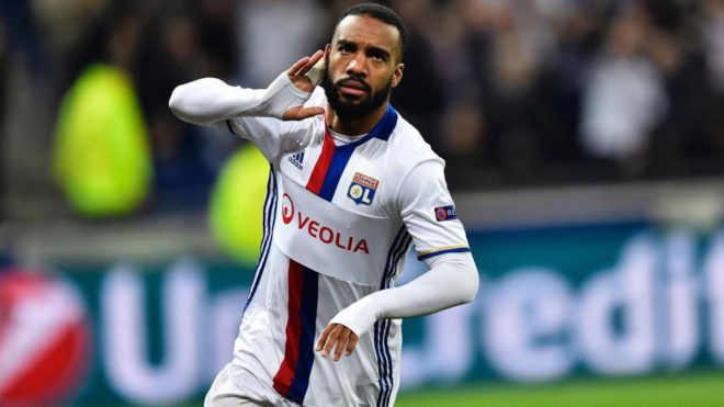 Lyon come back to earn vital two-goal lead over Roma in entertaining first leg
