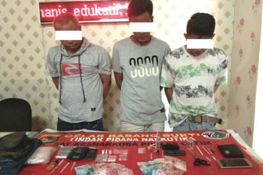 Polres Lotim Tangkap Tiga Pelaku Tindak Pidana Narkotika di Masbagik