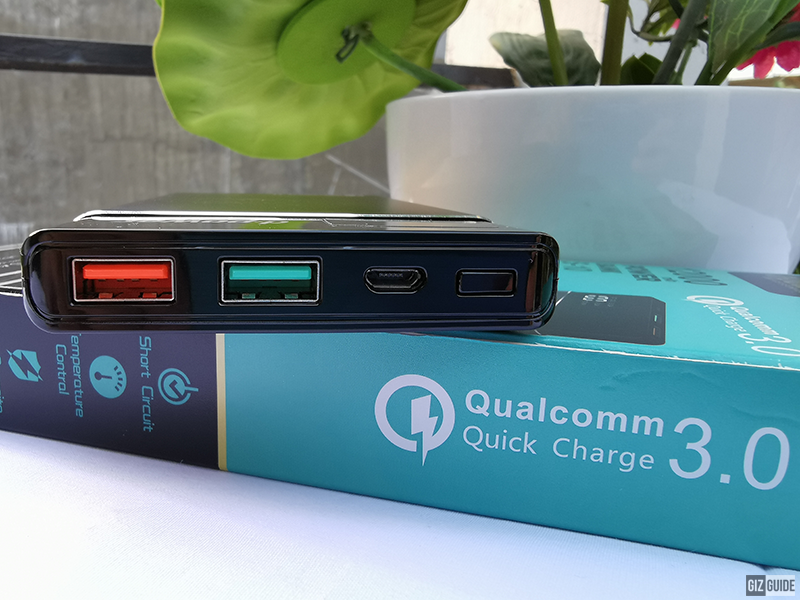 QC 3.0 (left) and USB 2.4A (right)