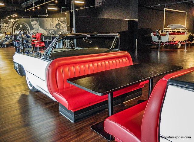 Cadillac que pertenceu a Elvis Presley exposto no Museu de Graceland