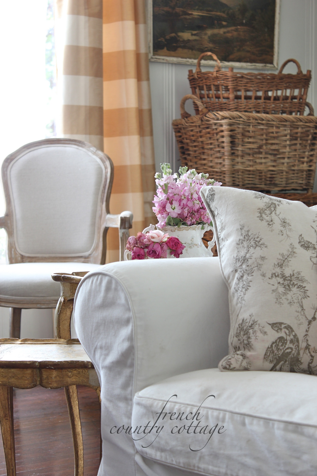 White Country Living Room Decorating Ideas: FRENCH COUNTRY COTTAGE