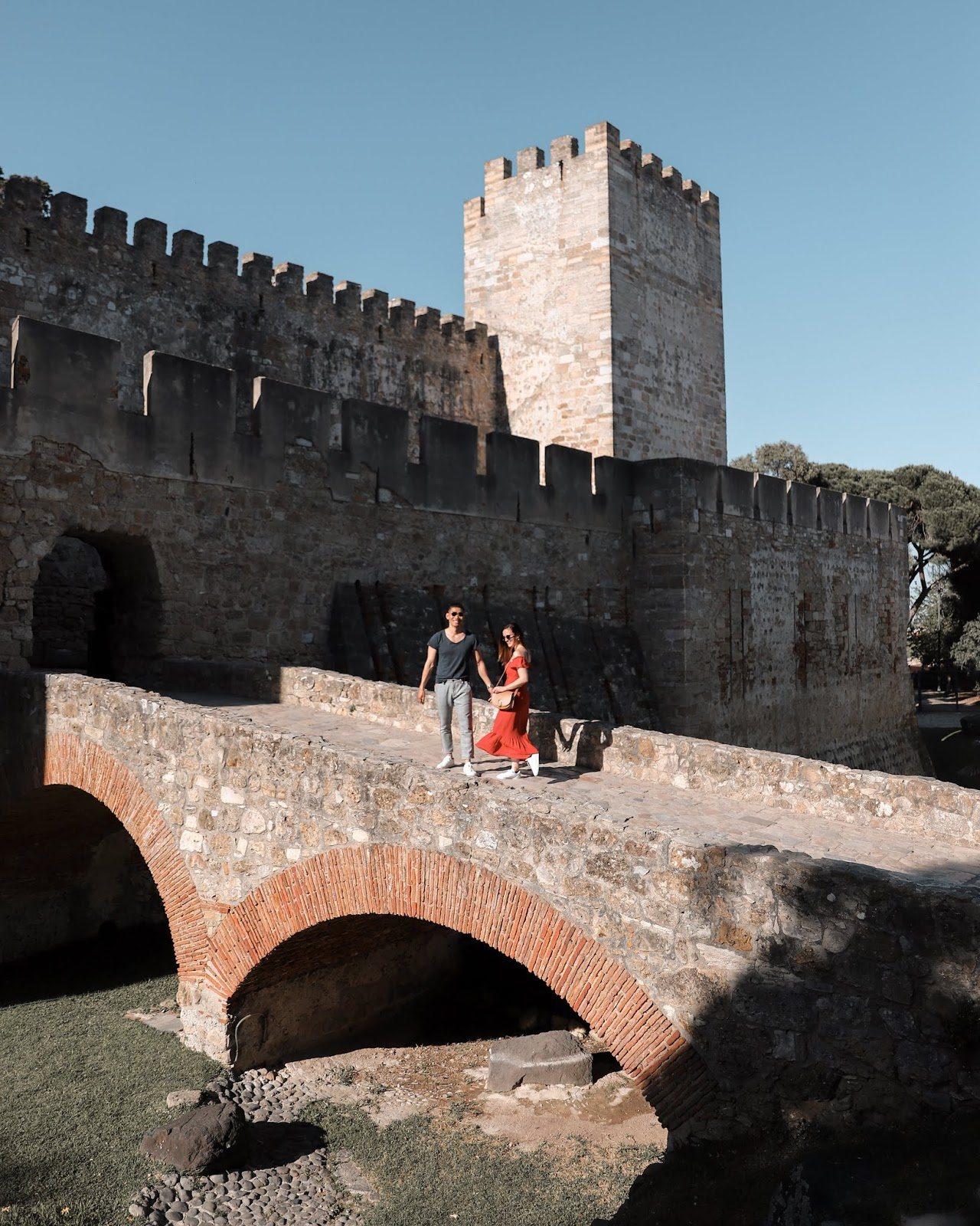 Leo Chan and Alicia Mara at São Jorge Castle | Tips and Tricks