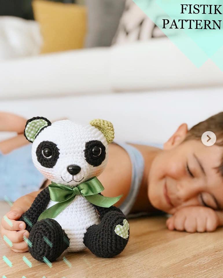 Amigurumi Panda Kostümlü Bonnie - El Yapımı Oyuncak, Örgü Oyuncak | 960x771