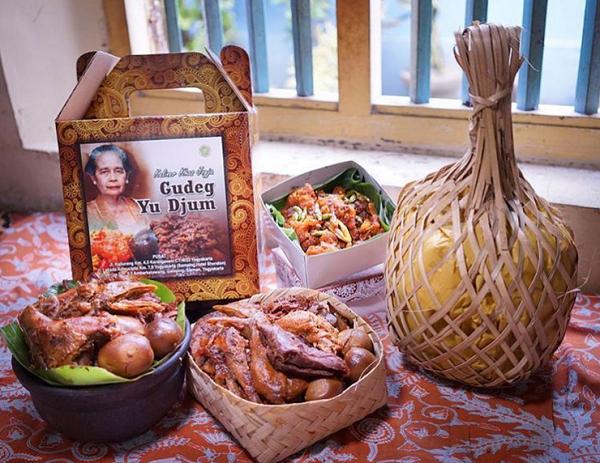 Gudeg Yu Djum Restoran dan Tempat Makan Enak Murah di Jogja