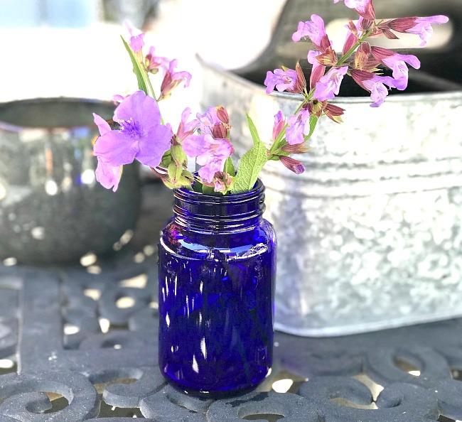 Easy Recycled Blue Glass Jar Vase