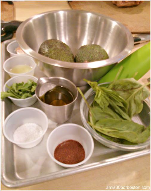 Ingredientes Salmón a la Plancha con Salsa de Aguacate