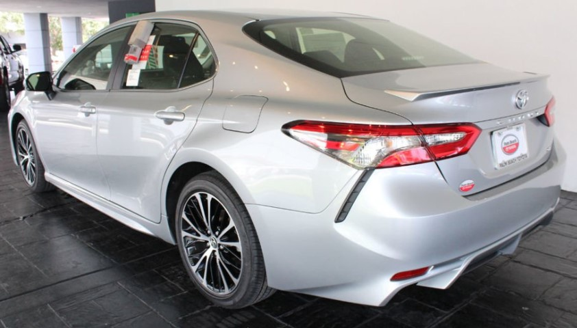 Used 2018 Toyota Camry LE Sedan Review & Ratings