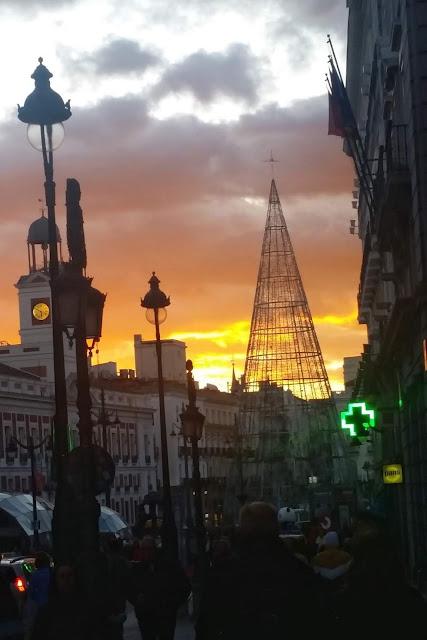 La Puerta del Sol, con su árbol para la Navidad 2019/2020