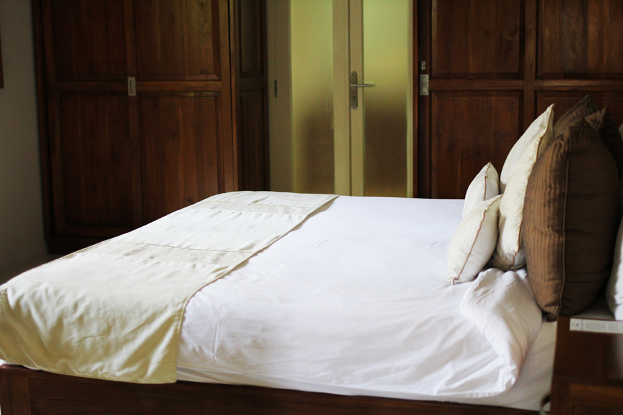 bali travel diary bed