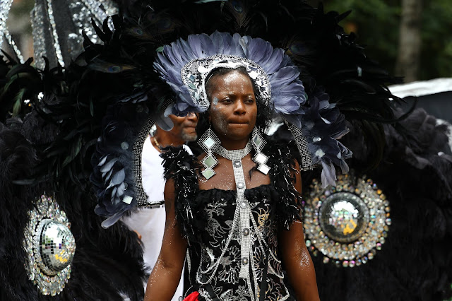 mujer Afro-caribeña en el carnaval