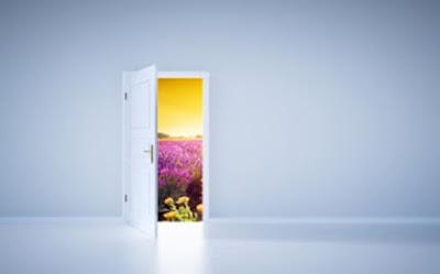 افتحي الباب يا امي