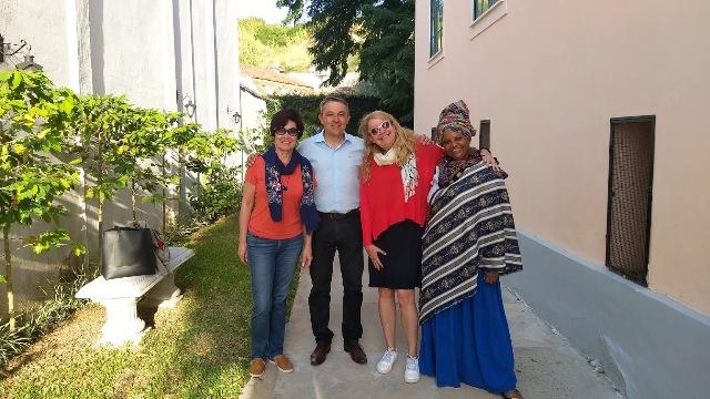 Lilian  Azevedo, do blog Uma Senhora Viagem, o Secretário de Turismo de Vassouras, Wanderson Farias, eu e  Andréia Pit, Turismóloga da Secretaria de Turismo de Vassouras