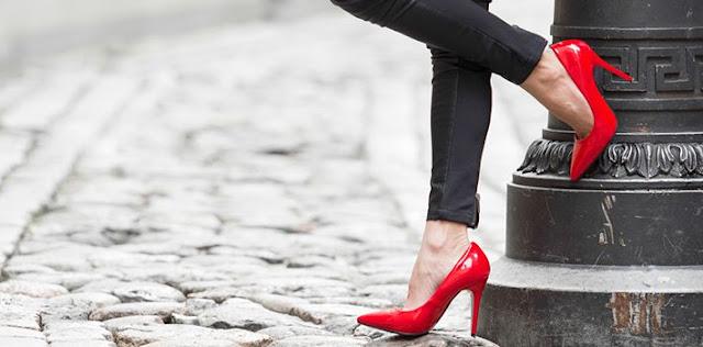 ये 5 बीमारियां हाई हील्स पहनने के चक्कर में आप को भी हो सकती हैं