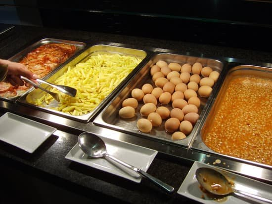 Free school meals in jeopardy for nearly a million poor children - cheap dinners for 2