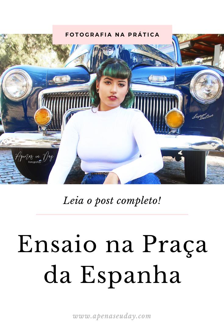 Ensaio feminino alternativo realizado na Praça da Espanha com exposição de carros antigos. Saiba mais agora!