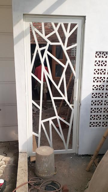 Pintu-Besi-Minimalis-Purwokerto