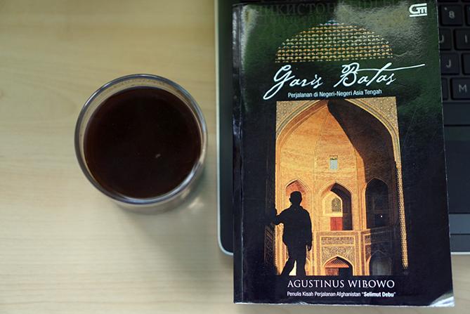 Buku Garis Batas Karya Agustinus Wibowo