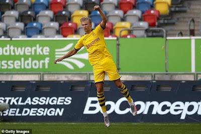Ghi bàn phút chót, Haaland lại có kỉ lục Bundesliga