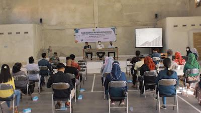 KKN UNRAM Desa Tanjung Luar Menggelar Sosialisasi Kewirausahaan