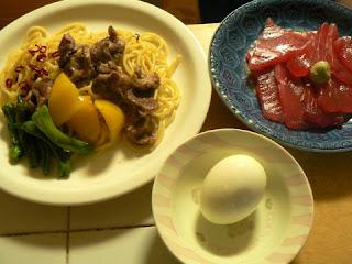 砂肝ペペロンチーノ マグロ ゆで卵