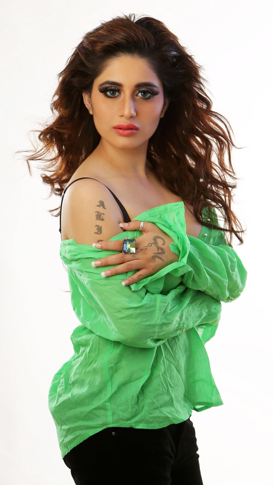 Alisa Khan Hot Photoshoot Gallery In Green Top