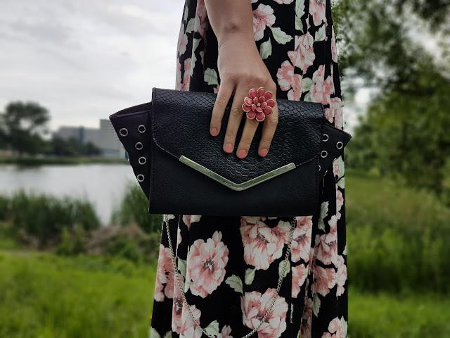 pierścionek kwiat