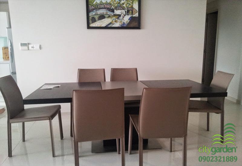 bàn ăn tại căn hộ City Garden