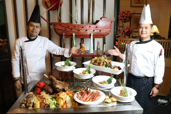 4-in-1 Buffet Dinner di Royale Songket, Grand BlueWave Hotel