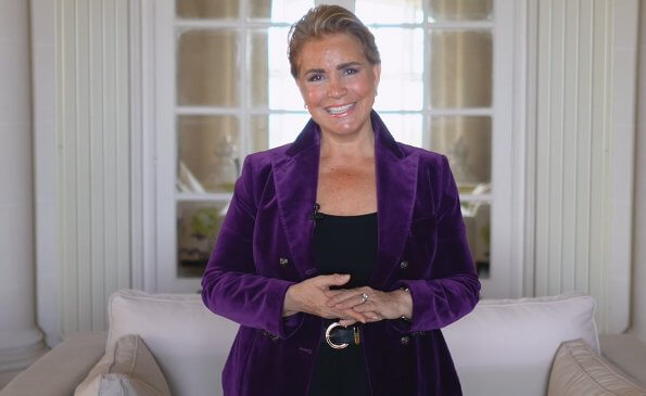 The Duchess wore a purple velvet blazer by Alexander McQueen. Purple stretch cotton velvet blazer from alexander mcqueen featuring double breasted