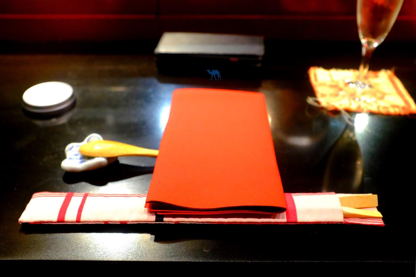 Le Chameau Bleu -  Couverts japonais du restaurant guillon guillon paris