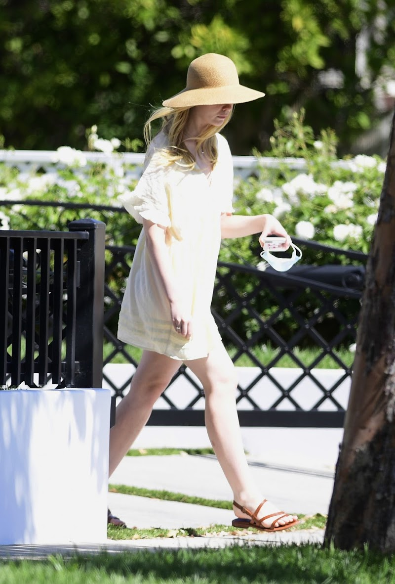 Elle Fanning Clicked Outside at a Park in Los Angeles 2 Aug -2020