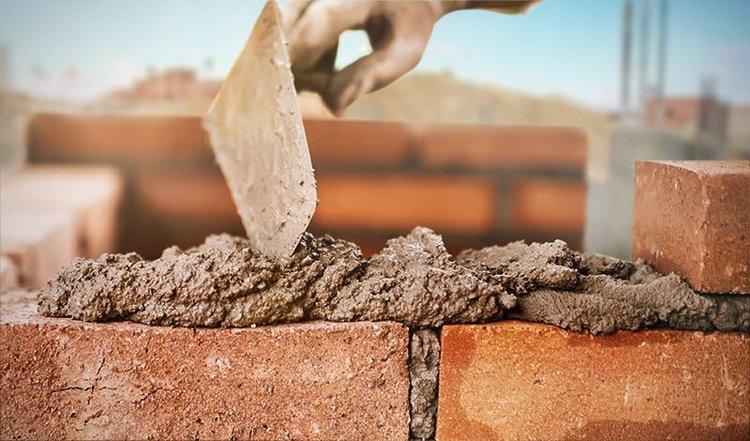 Los despachos de cemento registraron un repunte mensual y un descenso interanual