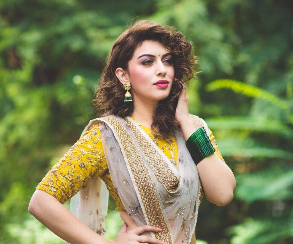 South Indian Actress Hansika Hot Images In Yellow Lehenga