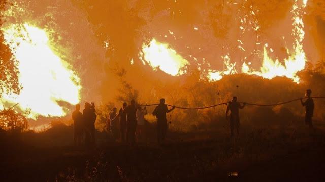 Συνεχίζουν οι πυροσβεστικές επιχειρήσεις σε Γορτυνία, Ανατολική Μάνη και Ηλεία
