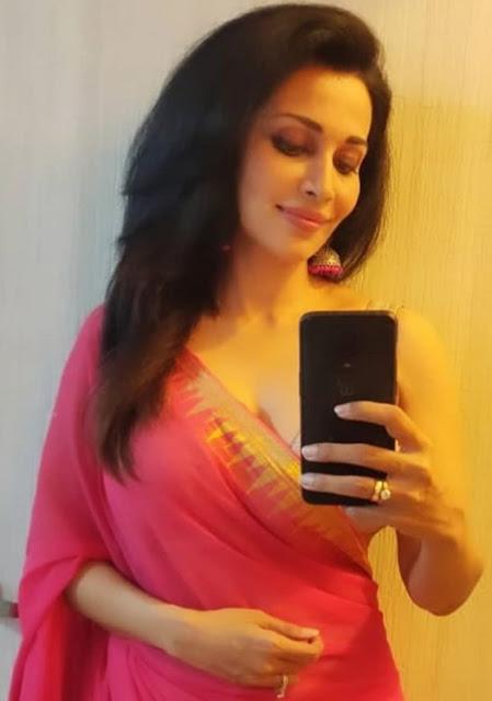 Indian Actress Flora Saini Photos