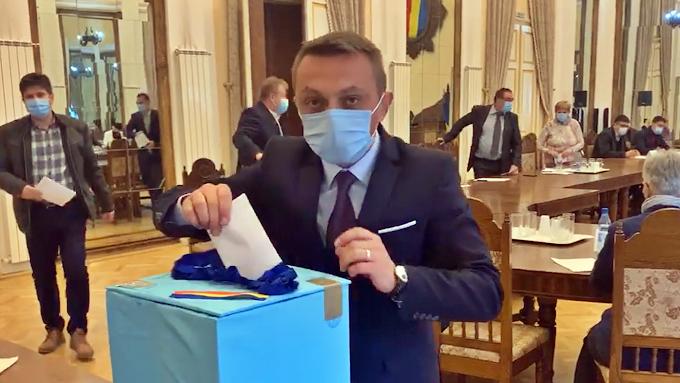 """""""SURPRIZĂ"""": Noul viceprimar al municipiului Vatra Dornei este tot Marius Rîpan"""