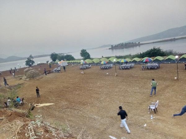CAMPING VILLAGE PAWNA LAKE
